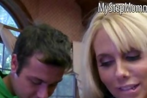 molly bennett caught her bf engulfing off by a