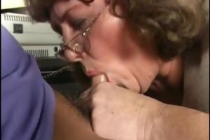 breasty horny mom