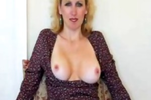 sexy aged wife gives blowjob and gets facial