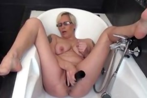 horny older lady fucking her own tight part2