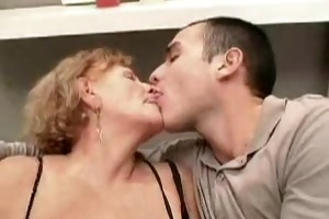 mature woman uses dong on younger fellow