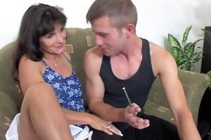 mom rewards boys' hard work with sexy dp