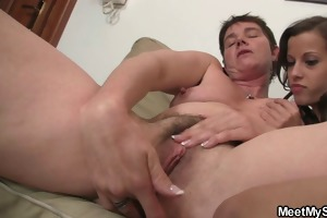 she is have oral stimulation joy with her bfs