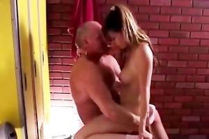 hawt older babe enjoys a fuck and a facial