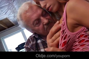 lucky grandad gustavo bonks hot youthful babe