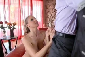 chesty mother i julia ann fuck a large cock