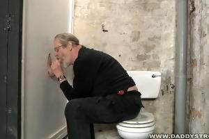 daddy sucking glory hole penis