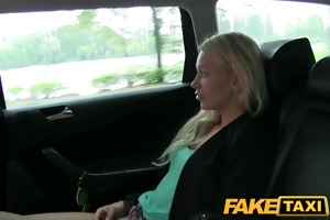 faketaxi golden-haired get to engulf cock not to