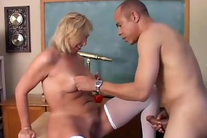 hawt cougar in stockings loves to fuck