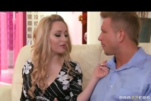 beautiful golden-haired milf aiden starr makes