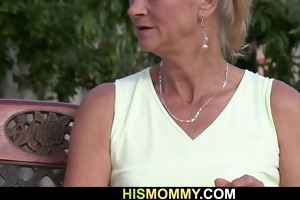 he is found his gf toying his old mommys pussy