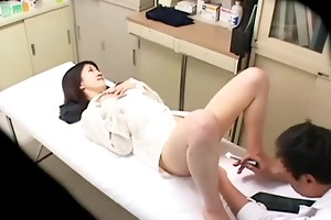 spycam dissolute doctor uses young patient 02