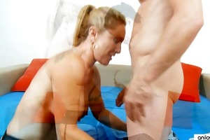 older cougar sucking stiff young cock