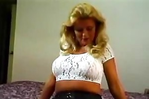blond mature mommy t live without younger males