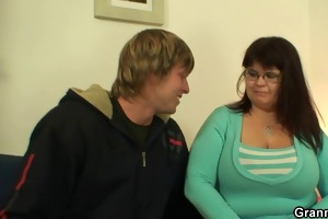 busty plumper widens her legs for a stranger