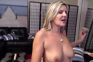 beautiful blonde mature velvet copulates with