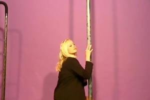 blonde playgirl exotic dancing - julia reaves