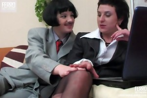 lesbo crossdressers kissing and dong fucking