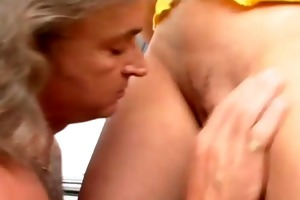 slutty young girl outdoor 3some