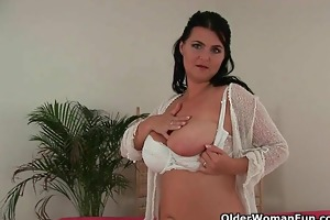 how classy mature mammas turn into sex craving