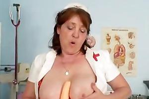 breasty non-professional gilf cumshot fake penis