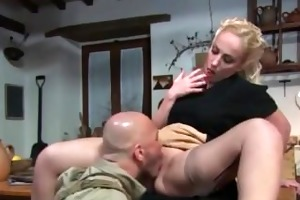 italian d like to fuck receives a facial