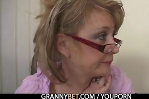 office lady gets nailed at the table