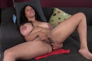 breasty milf shannon rubbing her hairy cunt