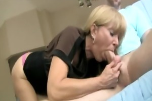 milf sucks cock for fortunate guy and cant get