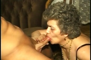 granny in nylons &; with hairy cunt screwed